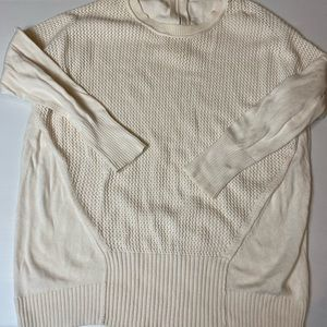 Country road size large cream long sleeved knit jumper